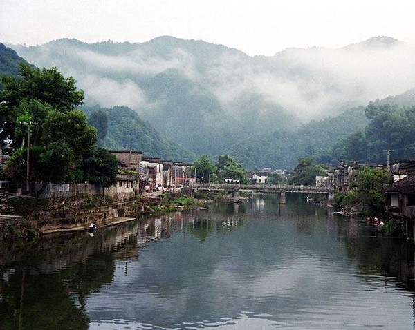 Jingdezhen, among the Huaiyu Mountains